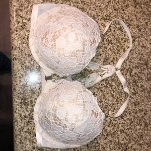 Victoria's Secret front close bra